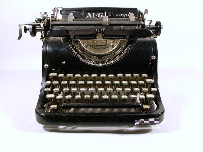 Schreibmaschine 007